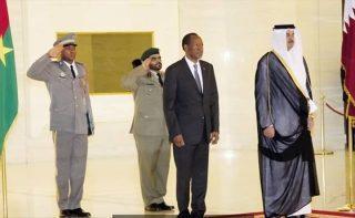 le Président burkinabé Blaise Compaoré reçu par l'Emir du Qatar