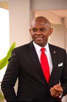 Tony O. Elumelu, banquier, milliardaire, investisseur et philanthrope. il se veut l'apôtre de  «l'Africapitalisme ».
