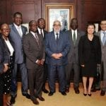Le Premier ministre marocain au milieu du groupe Africa 50 à Rabat