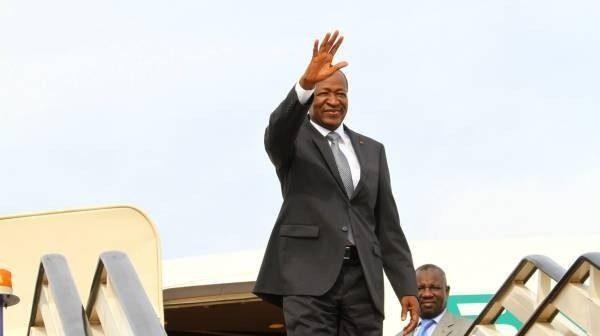 Blaise Compaoré à son départ d'Abidjan vers Casablanca