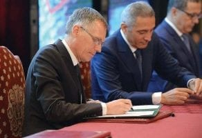 Carlos Tavares PDG PSA Citroen et Moulay Hafid El Alamie ministre marocain de l Industrie