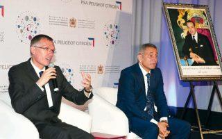 Carlos Tavares, PDG de PSA Peugeot Citroën  et Moulay Hafid El Alami, ministre marocain  de l'Industrie et du commerce