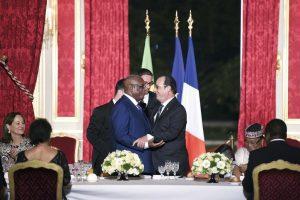 Le president François Hollande reçoit à Paris son homologue malien Ibrahim Boubacar Keïta