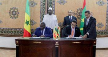 Accords pour le partage des ressources gazières signés à Nouakchott le 09 février 2018 devant les Présidents Macky Sall et Mohamed Ould Abdel Aziz