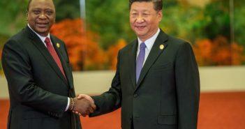 le président kenyan Uhuru Kenyatta et son homologue chinois Xi Jinping