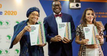 De gauche à droite : Madame Helen Johnson Sirleaf, ancienne présidente du Libéria ; Akinwumi Adesina, Président du Groupe de la BAD et Hanan Morsy, Directrice des politiques macroéconomiques de la BAD.