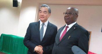 Les Ministres des Affaires étrangères chinois et burundais Wang Yi et Ezéchiel Nibigira