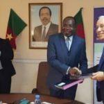 Signature du contrat à Bertoua, une province du Cameroun