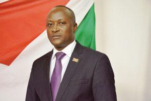 Gaston Sindimwo, en pleine campagne électorale