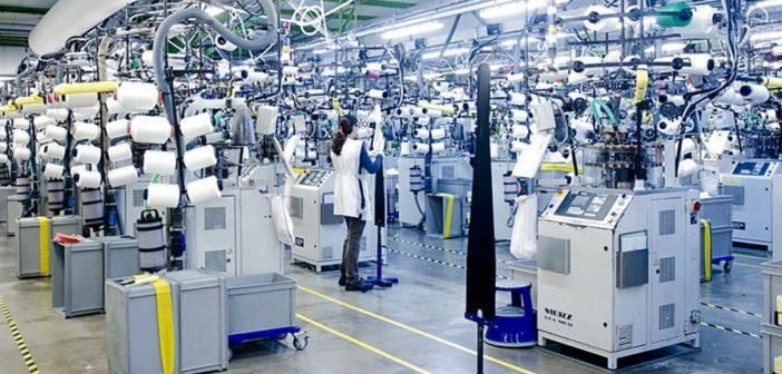 Usine de parfumerie reconvertie pour la production de gel hydroalcoolique