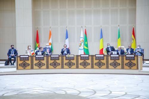 le président mauritanien recevant ses homologues du Sahel et le président Macon 2