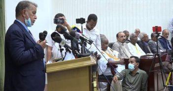 onférence de presse des 60 avocats chargés de récupérer l'argent du peuple