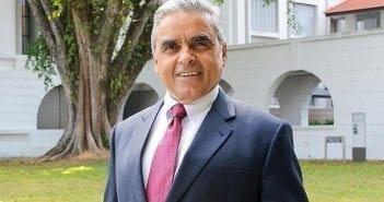 Son Excellence le professeur Kishore Mahbubani, membre distingué de l'Asia Research Institute et doyen fondateur de la Lee Kuan Yew School of Public Policy de l'université nationale de Singapour