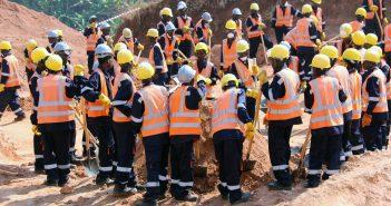 - Des mineurs au site des terres rares de Gakara, commune Mutambu, province de Bujumbura dit rural