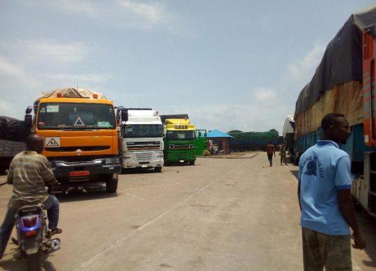 Bénin – Nigéria : La frontière Sèmè-Kraké ouverte mais les barrières toujours baissées.