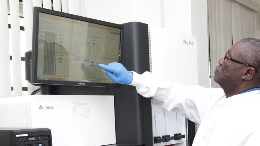 Prof. Christian Happi dans son laboratoire à l'université de Redeemer, Ede, Nigeria. ©AGEGID