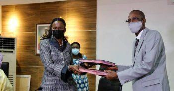 Soukaina directrice des opérations de la Banque Mondiale pour le Mali, avec le 1er ministre malien