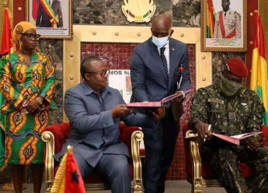 Diplomatie : Les dessous de la visite du Président Emballo en Guinée